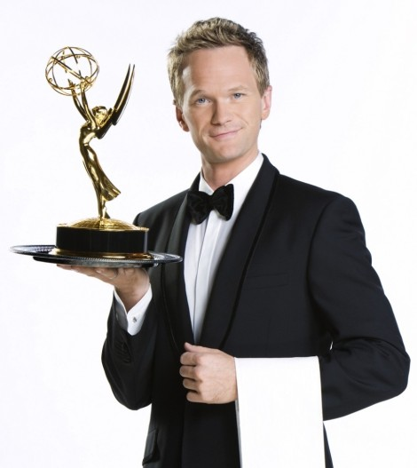 neil-patrick-harris-emmy-statue-white-bg-portait-e1370886731486