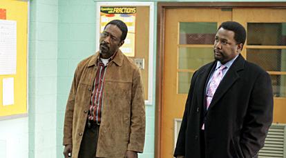 Clarke Peters et Wendell Pierce dans The Wire