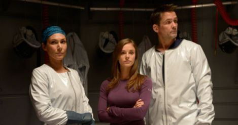helix-season-1-episode-1-jordan-alan-julia