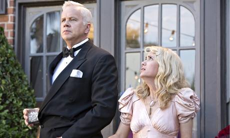 Les stars, un atout majeur pour The Spoils of Babylon (Tim Robbins et Kristen Wiig)