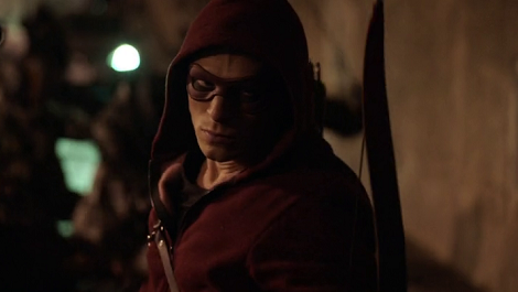 roy_harper_wearing_a_mask-arrow-season-3-stephen-amell-teases-on-olicity-arsenal-and-oliver-s-baby-mama