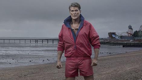Hasselhoff seul face à la tempête. Au moins il ne craint pas le ridicule.